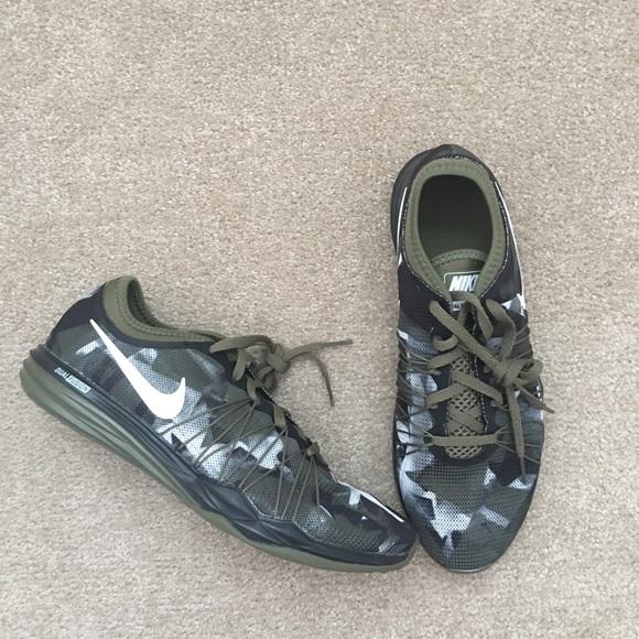 c3d6ee0bf7a8b Nike Shoes   Womens Dual Fusion Tr Hit Camo Print   Poshmark